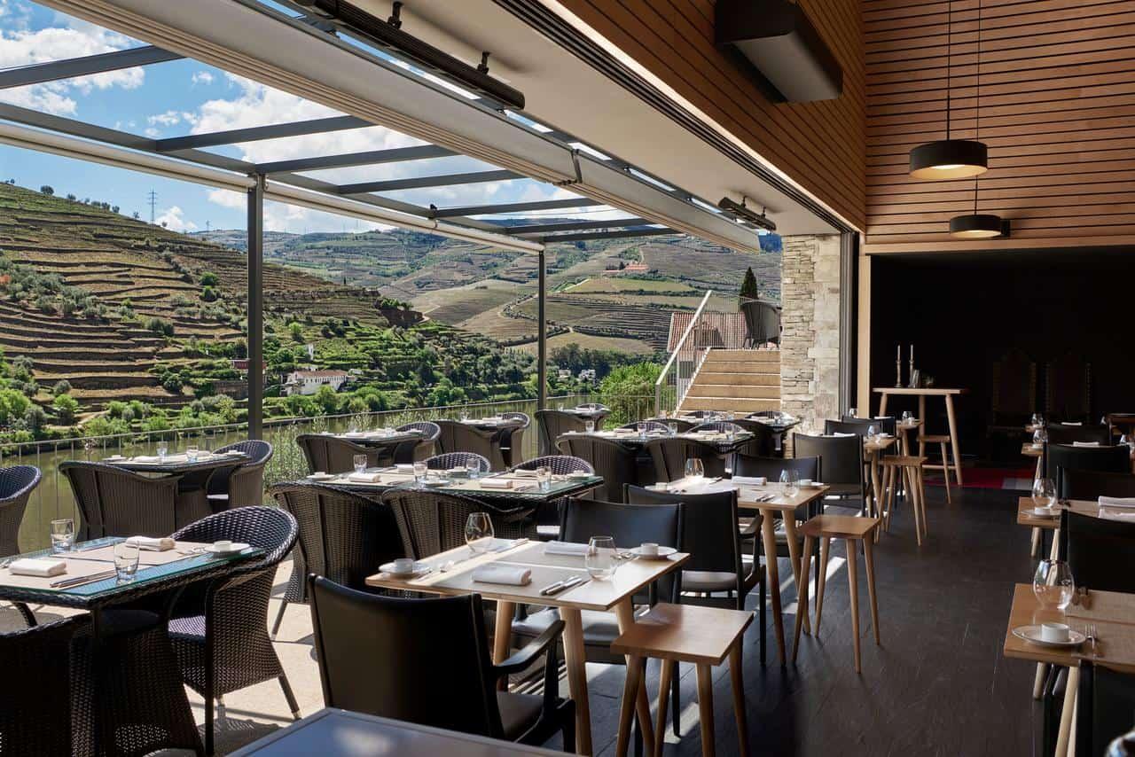 Cycling-Holidays-Douro-Quinta-de-La-Rosa-restaurant